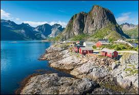 Quel pays scandinave n'est pas un royaume ?