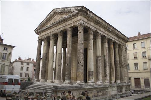 Quel est le nom de ce temple romain bâti au tout début du Ier siècle de notre ère ?