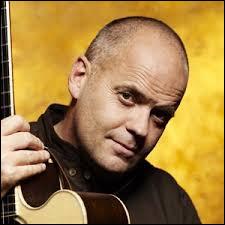 Philippe Lafontaine est un auteur-compositeur-interprète né à Gosselies.Quelle est sa chanson la plus connue ?