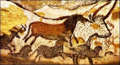 Quelle grotte préhistorique célèbre a-t-on découvert en 1940 ?