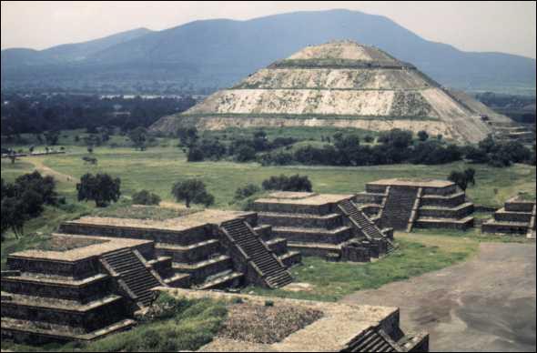 Où se trouvent les temples de Teotihuacan ?