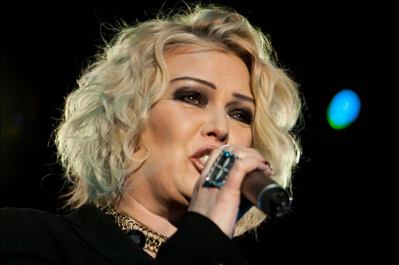 Cette chanteuse pop anglaise, qui a connu ses plus grands succès dans les années 1980, c'est ... Wilde.