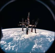 Mi comme Mir : quand a été détruite la station spatiale Mir ?