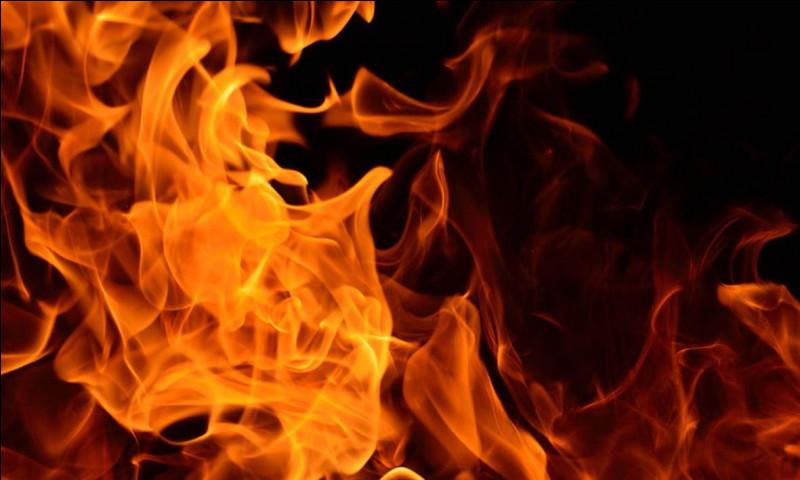 Quelle ville en flamme a-t-il fui ?