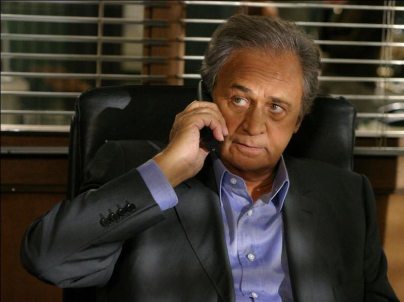 Na comme Navarro : qui joue le rôle de sa fille, dans la série du même nom ?