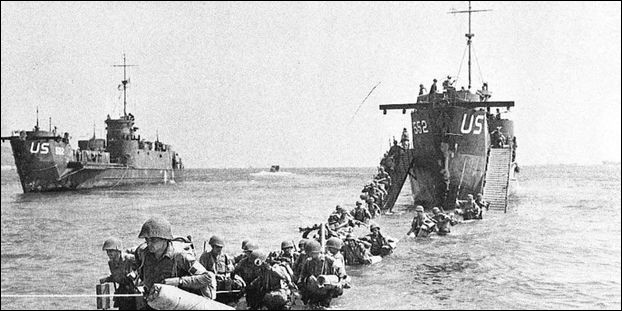 Le lendemain, 16 août, cette ville est la première à être libérée par les Alliés débarqués en Provence :