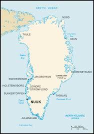 La superficie du Groenland fait environ 5 fois celle de la France métropolitaine, combien y a-t'il d'habitants ?