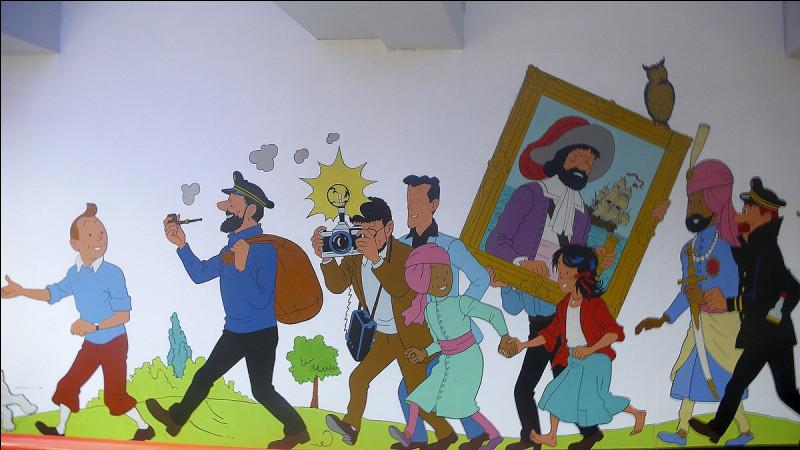 Dans quelle gare de métro belge pouvons-nous retrouver des peintures des aventures de Tintin ?