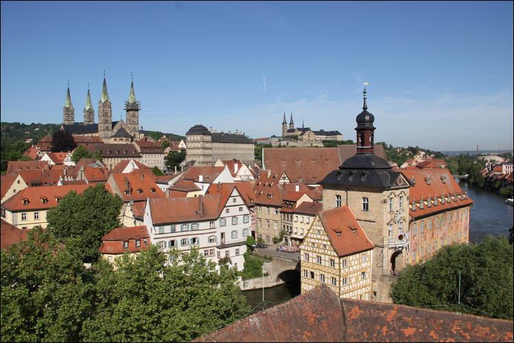 Ville allemande du nord de la Bavière, en Haute-Franconie :