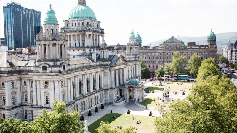Ville britannique, capitale de l'Ulster :