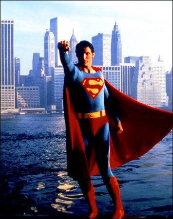 La musique de Superman a été composé par :