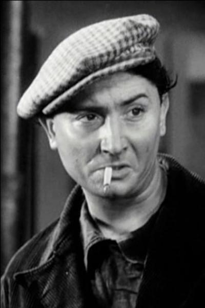 """Il débute comme acteur de théâtre en 1925, il est proche des surréalistes, joue au cinéma dans """"Mademoiselle ma mère"""" d'Henri Decoin, """"Vous n'avez rien à déclarer"""" de Léo Joannon; il est """"Lucien"""" dans """"Le Quai des brumes"""" : c'est ..."""