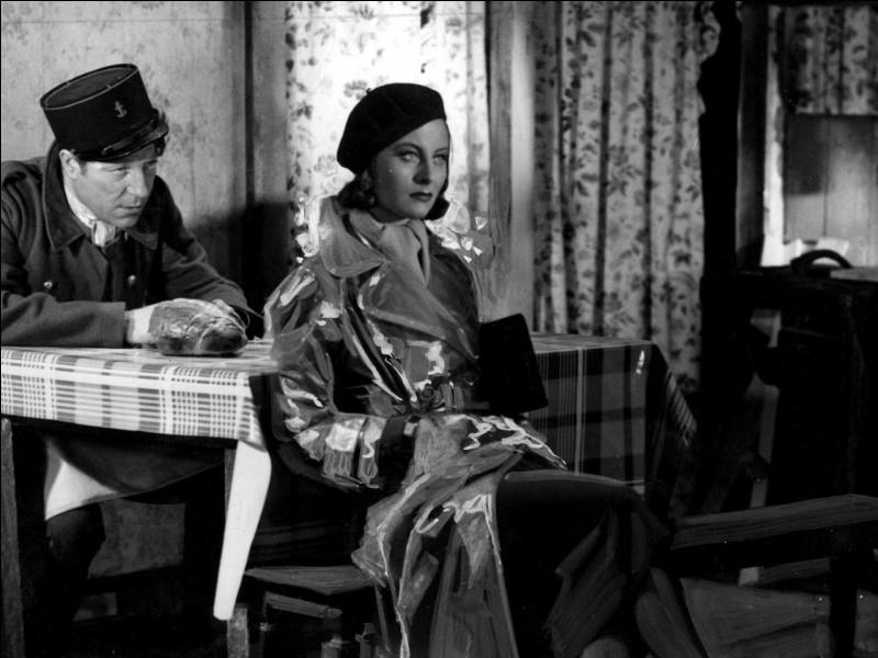 """Elle débute à 15 ans comme figurante en 1935, joue dans """"Orage"""" en 1937, puis connait la célébrité avec le rôle de Nelly dans """"Le Quai des brumes"""" : c'est ..."""