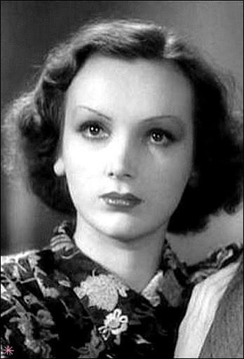 """Elle débute 1933 et devient vite célèbre avec ses rôles dans """"Pépé le Moko"""" et dans """"Gueule d'amour"""" : c'est ..."""
