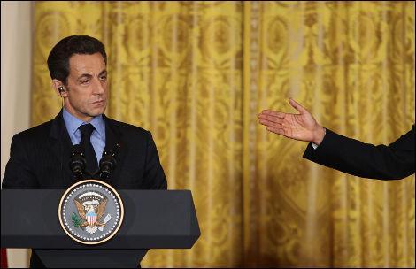 Les médias français ont décrit la nouvelle entente cordiale liant Barack Obama et Nicolas Sarkozy. Un détail a échappé aux médias américains :