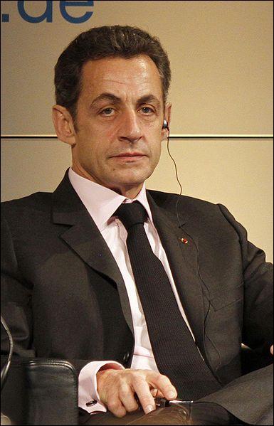 Selon les révélations exclusives de Rue89 le 1er avril, Sarkozy a trouvé un moyen de mieux faire accepter les réformes par l'opinion