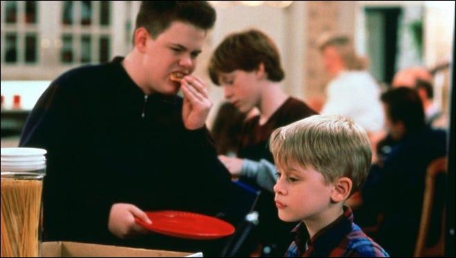 Quelle est la pizza préférée de Kevin alors que son grand frère a mangé la dernière part de pizza à Kevin ?