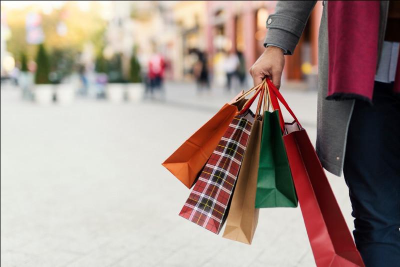 Maintenant, passons aux magasins de vêtements (si, si, oui, oui). Comment choisis-tu tes vêtements ?