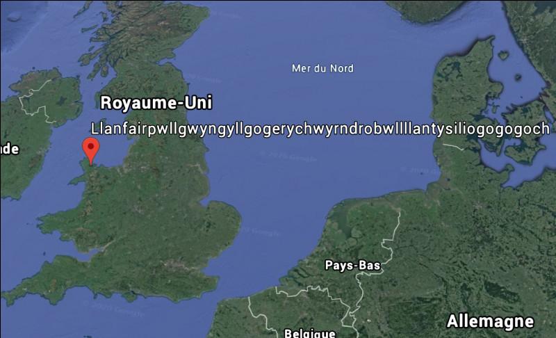Saviez-vous que le village avec le plus long nom d'Europe se situe au Royaume-Uni ? Son nom est : Llanfairpwllgwyngyllgogerychwyrndrobwllllantysiliogogogoch.Sur quelle île se situe ce village ?