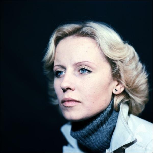 """Cette actrice polonaise, connue pour avoir tenu le premier rôle dans plusieurs films d'Andrzej Wajda, dont """"L'Homme de marbre"""" et """"L'Homme de fer"""", joue également dans """"Espion, lève-toi"""" d'Yves Boisset : c'est ... Janda."""