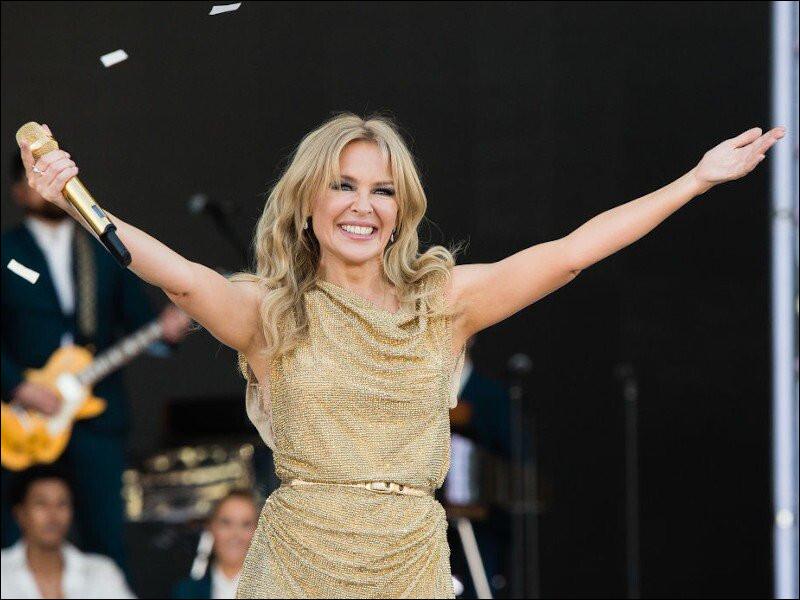 Cette chanteuse et actrice australienne, c'est ... Minogue.