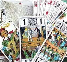 Généralement, avec combien de cartes le tarot se joue-t-il ?