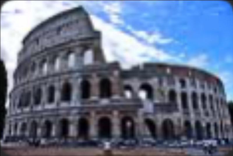 Le Colisée – Comment le Colisée se nommait-il à l'origine ?