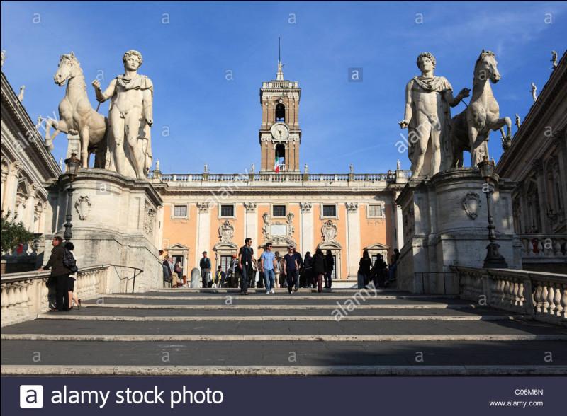 Le Capitole - Le Capitole fait partie des ... collines de Rome.