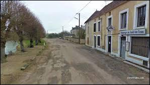 Nous commençons notre balade dans l'Yonne à Argentenay. Petit village de 81 habitants, il se situe dans l'ancienne région ...