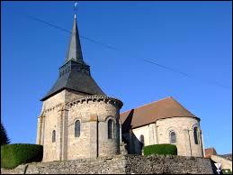 Nous sommes en Nouvelle-Aquitaine devant l'église Saint-Martin de Boussac-Bourg. Commune de l'arrondissement d'Aubusson, elle se situe dans le département ...