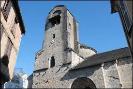 Nous sommes en Nouvelle-Aquitaine, à Lasseubetat. Village viticole Béarnais, il se situe dans le département ...