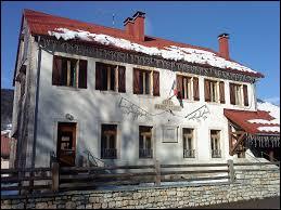 Nous sommes en Auvergne-Rhône-Alpes, à Lélex. Village au pied du Crêt de la Neige, dans le pays de Gex Agglo, il se situe dans le département ...