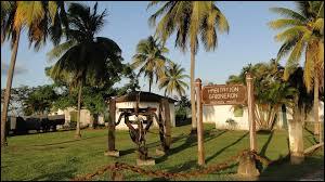Commune du département de la Martinique (972) peuplée de 40000 habitants.Première ville industrielle et poumon économique de l'île - l'aéroport international Aimé Césaire - bastion du Parti communiste martiniquais pendant 53 ans.