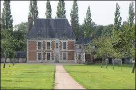 Commune du département de la Seine-Maritime (76) peuplée de 11900 habitants.La ville est la capitale du pays de Caux - La ville fut pratiquement rasée en 1940 par les Allemands - L'homme politique Jean-Luc Mélenchon fut scolarisé dans cette ville dès 11 ans.