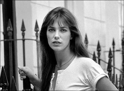 Actrice et chanteuse francophone d'origine britannique, nous commençons avec ... Birkin.
