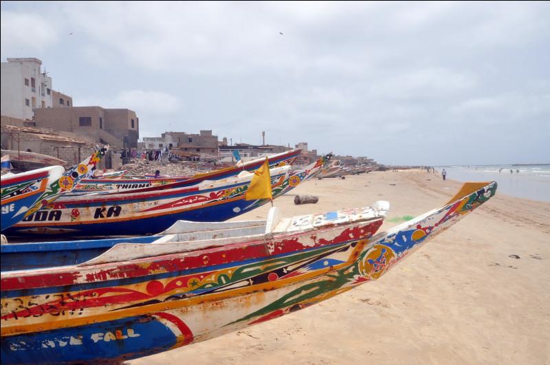 Saurez-vous situer la ville de Dakar, capitale du Sénégal, sur l'une des 4 cartes du continent africain ci-dessous ?