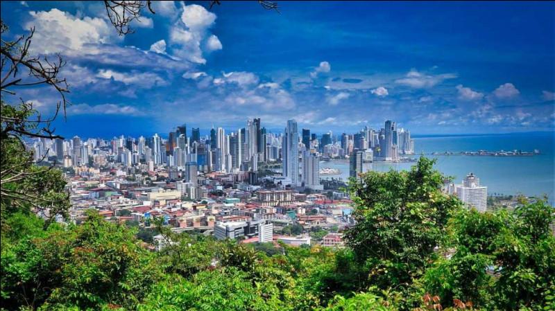 La ville de Panama, en Amérique centrale, vous est-elle suffisamment familière pour que vous puissiez la situer ci-dessous ?