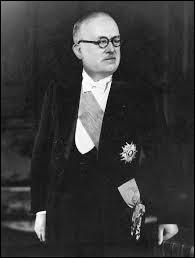 Le premier président de la IV République fut Vincent Auriol.