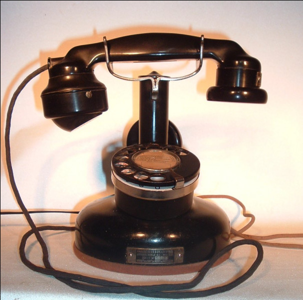 Qui a inventé le premier téléphone ?
