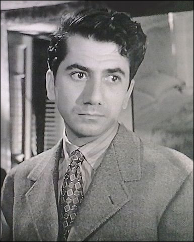 """Il devient une vedette du cinéma français à la fin des années 1940, joue dans """"Rendez-vous de juillet"""", """"Édouard et Caroline"""", """"La Minute de vérité"""", """"L'Homme qui en savait trop"""" : c'est ..."""