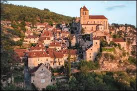 Je vous propose de partir en Occitanie à la découverte de Saint-Cirq-Lapopie. Classé parmi les Plus Beaux Villages de France, ce village médiéval du parc naturel régional des Causses du Quercy, dans la communauté d'agglomération du Grand Cahors, se situe dans le département ...