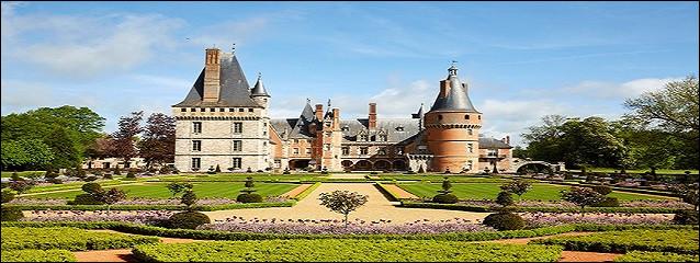 Comment désigne-t-on le type des jardins du château ?