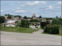 Nous terminons notre balade dans le Lot-et-Garonne, à Villeneuve-de-Duras. Nous sommes dans l'ancienne région ...