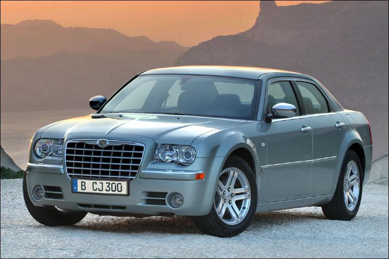 Avant d'intégrer le groupe FCA (Fiat Chrysler Automobiles), l'américaine Chrysler avait déjà adopté la nationalité allemande. Sous la tutelle de quelle firme germanique l'enfant de Détroit a-t-elle évolué ?