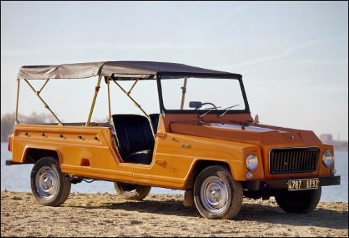 Voiture à vocation estivale, cette rivale de la Citroën Méhari est moins connue que cette dernière pourtant, c'est la RNUR qui l'a produite. Pouvez-vous me donner son nom ?