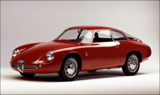 Cette automobile transalpine porte un nom que les férus de voitures italiennes connaissent bien. Aujourd'hui, ce nom est réapparu dans la gamme du constructeur milanais. Quelle est cette voiture ?