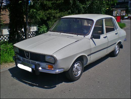 Je vous présente la Dacia 1300, une automobile produite en Roumanie. Cette voiture me rappelle un modèle français dont j'ai oublié le nom. Lequel est-ce ?