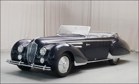 Beauté française de la première moitié du 20e siècle, son constructeur produisait de sublimes voitures de luxe dont celle-ci. Saurez-vous me dire son nom ?