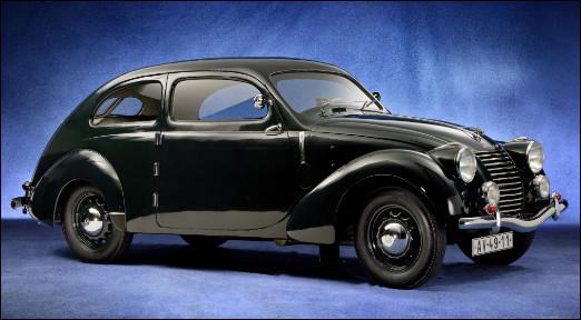 Partons vers les pays de l'Est, je vous présente cette automobile tchécoslovaque qui porte un nom qui ne reflète pas cette spécificité. Quelle est cette automobile ?