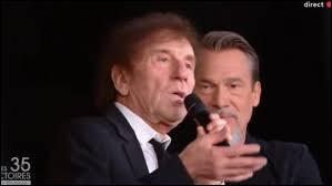 """L'interprète de la chanson """"Allô ! Maman, Bobo"""" a ----- une majorité des 900 votants. la catégorie reine des Victoires de la musique est ----- par le parrain de la scène française, Alain Souchon."""